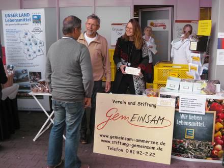 Nachbarschaftshilfe-Infostand beim EDEKA Markttag in Schondorf am 19. September 2015